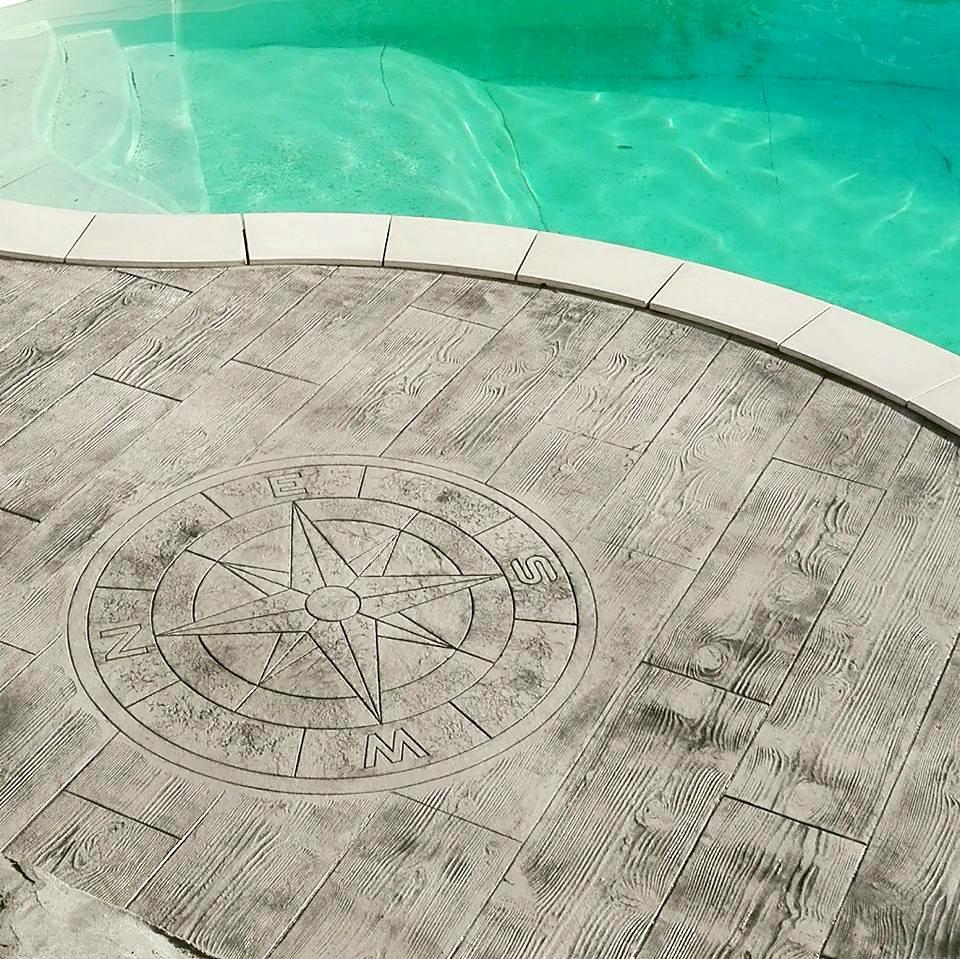 Terrasse piscine béton imprimé