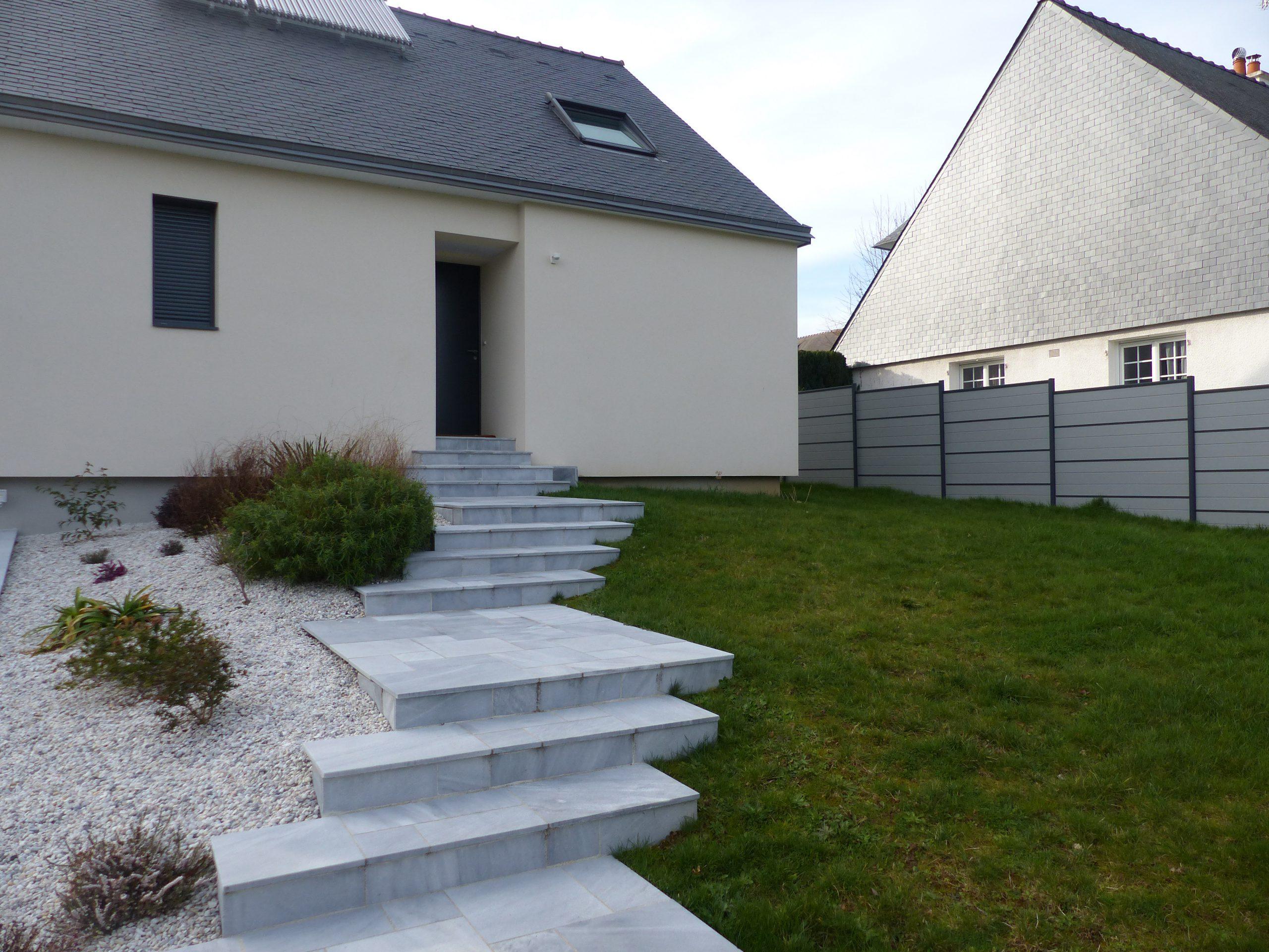 Escalier d'accès dalles
